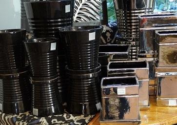 pots-black-silver-2