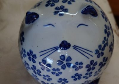 Porcelain cat blue white JIW