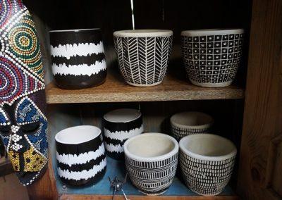 Pots black and white JIW